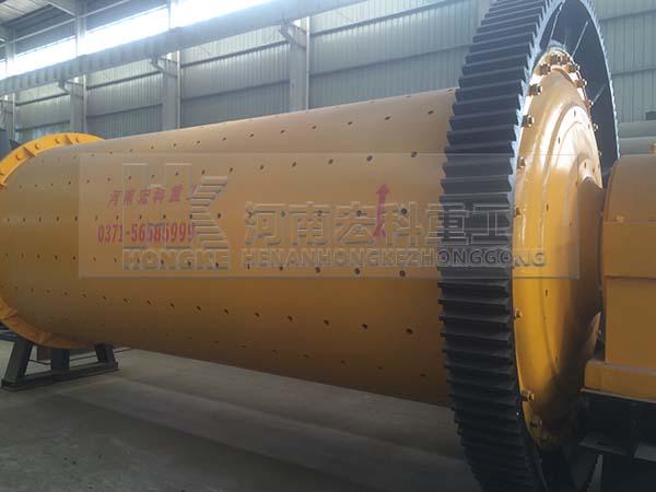 福建1.83mx4.5m球磨機發貨現場